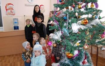 Micii pacienţi în aşteptarea lui Moş Crăciun
