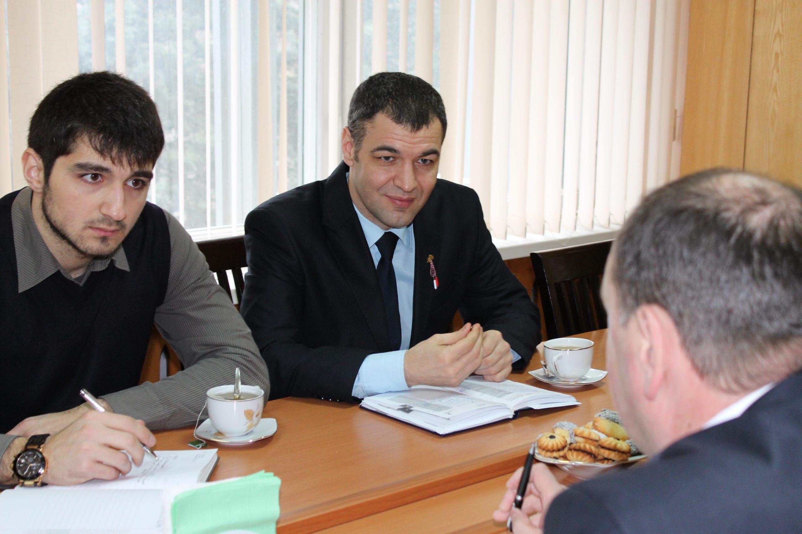 Ministrul Tineretului și Sportului în vizită la Primăria Ungheni