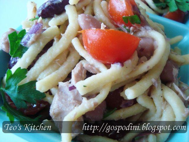 Salată de ton cu fasole boabe