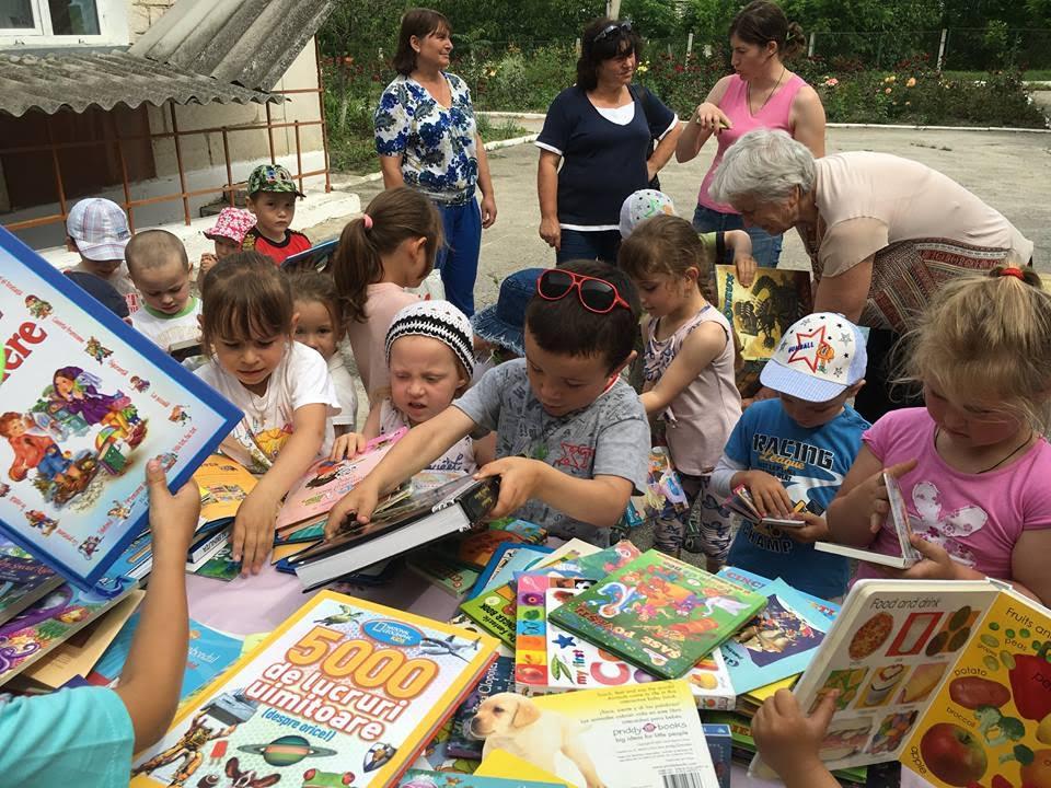 Bucurie mare pentru copiii satului Nișcani