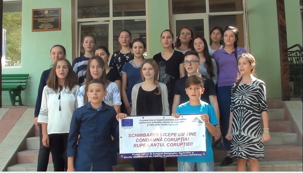 """Elevii Liceului """"Mihail Sadoveanu"""" din Călărași spun un NU ferm corupției."""