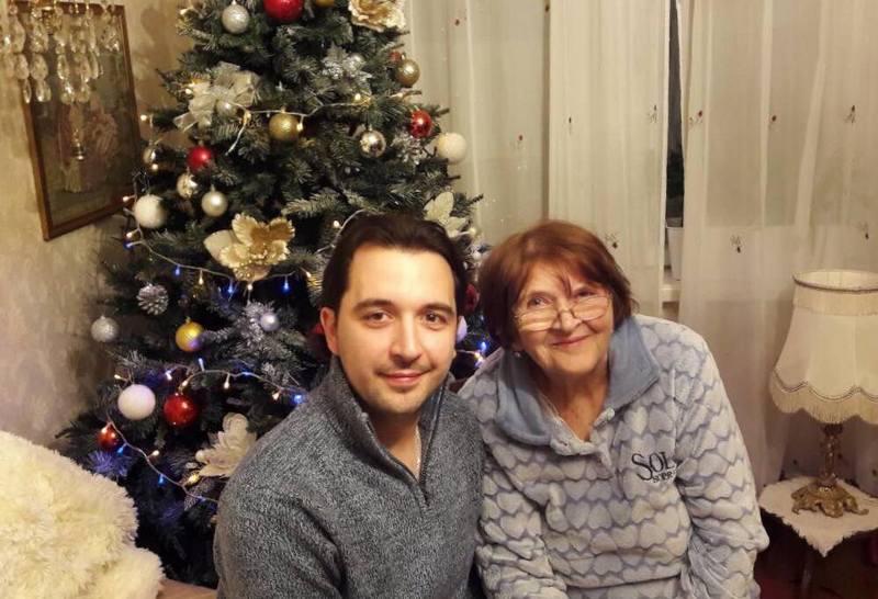 Iulian cu bunica Larisa
